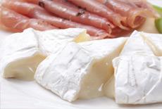 生ハムとチーズ